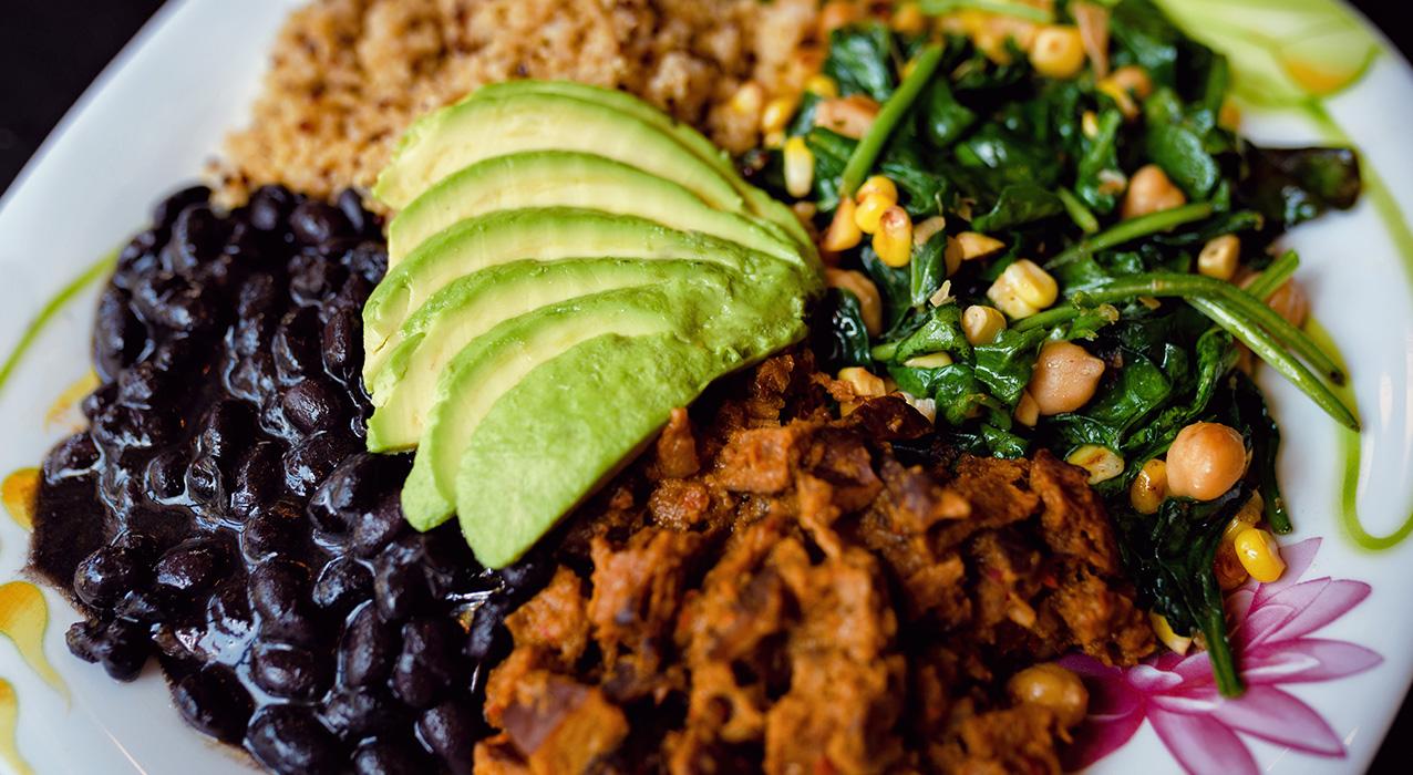 Quinoa «Chicken» Seitan Bowl